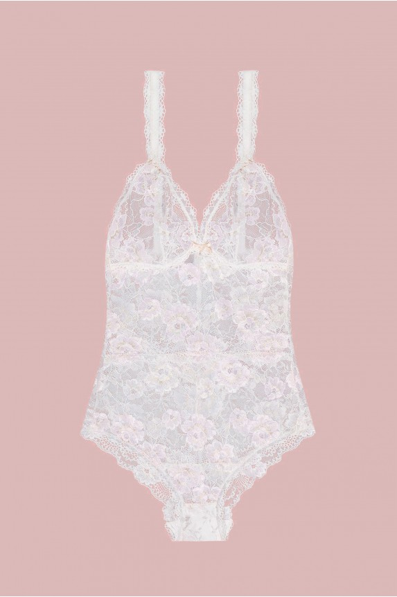 White lace body heart