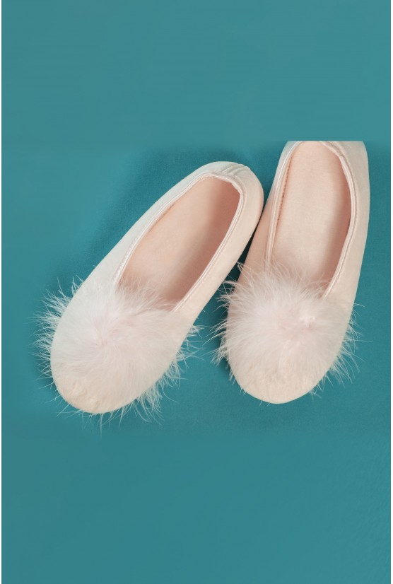 Petits chaussons plume rose